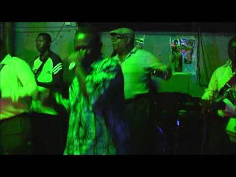 Samba Mapangala performs Dunia Tuna Pita in Nairobi
