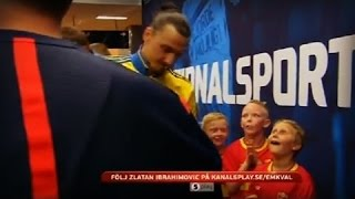 The 2 Swedish mascots & their priceless reactions to meeting Zlatan Ibrahimovic | 2015