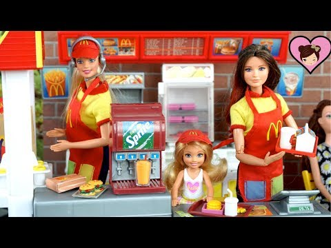 Barbie Doll Mc Donalds Drive Thru Restaurant - Playing with Dolls