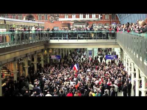 Les Misérables -- St. Pancras Flashmob