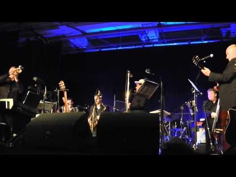 VAN MORRISON  performs  'CELTIC SWING'  AT ORANGEFIELD