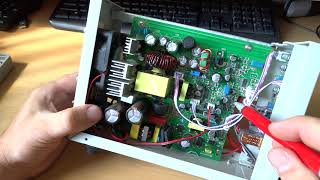 Laboratorní zdroj z Číny  30V/10A - banggood.com