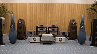 ForMusic新製品発表会でのアニソン試聴の様子 □システム VIVID AUDIO G2...