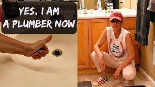 HOW TO UNCLOG A SINK - I AM NOW A PLUMBER - HOW TO UNCLOG A BATHROOM SINK
