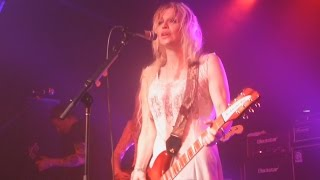 Watch Courtney Love Doll Parts video