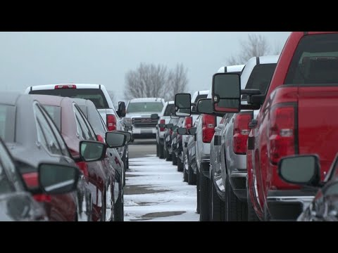 Workers fight to save General Motors plant in Canada – along with their jobs