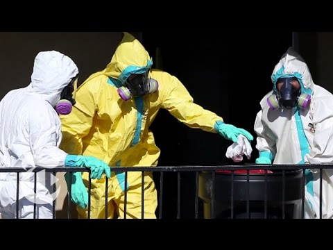 The Ebola Virus Outbreak 2014: C.D.C.'s Shifting Strategy | Times Minute | The New York Times