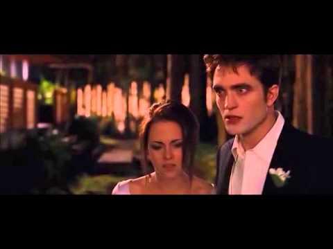 40. Amanecer 1 - Bella, Edward y Jacob en la boda