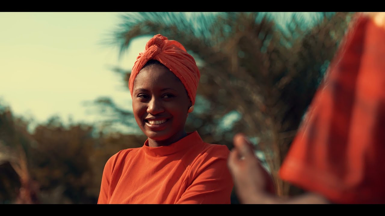Download ZAINABU ABU (Official Video) Ft Umar M Shareef & Momee Gombe Latest Hausa Song 2021