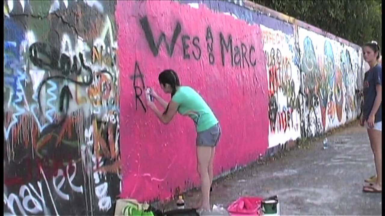 Street wall painting - Painting The 34th Street Wall