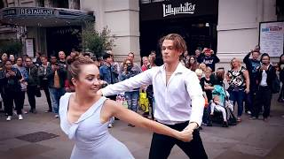 Australian Couple Bring London To A Standstill | Mako Flash Mob ...