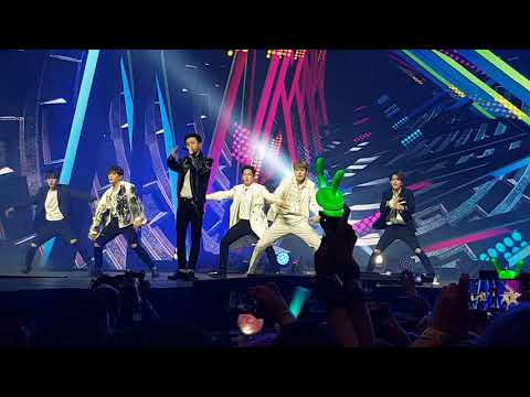 B.A.P. - Hands Up (Music Bank Chile 2018)