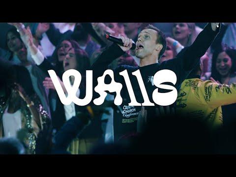 walls-(live)- -fellowship-creative