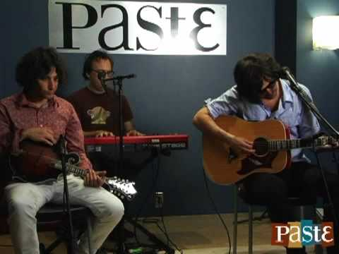 "Pete Yorn ""Lose You"" live at Paste"