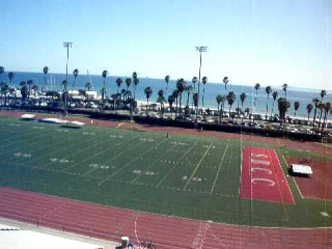 Santa Barbara City College: Awesome view over looking the football field.