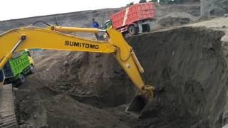 Tambang pasir dengan excavator sumitomo SH210