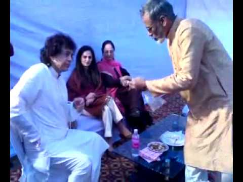 ustad zakir hussain with ustad qasim khan tabla maker