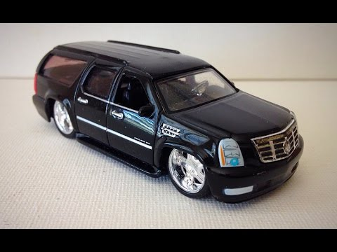 Jada Toys Cadillac Escalade Esv The Model Garage Youtube