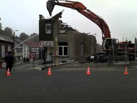Destruction d une maison a agadir doovi - Destruction d une maison ...