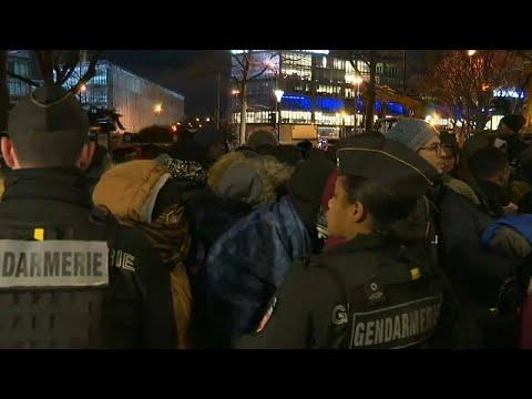 شاهد: الشرطة الفرنسية تخلي مخيّماً للاجئين شمال العاصمة باريس …  - نشر قبل 1 ساعة