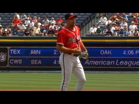 Smoltz K's 12 in historic outing
