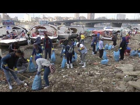 شاهد: -شباب النيل- حملة مصرية لتنظيف النهر والتوعية بمخاطر التلوث بالبلاستيك…  - 22:53-2019 / 2 / 10