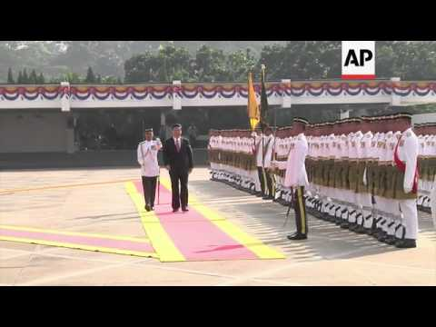 President Xi welcomed by king, discusses regional issues with PM