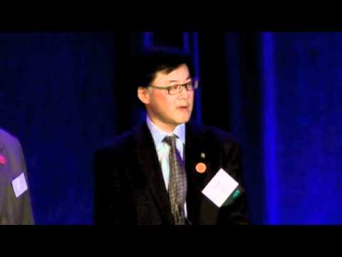 SPAWAR CIO Gary Wang Receives Award