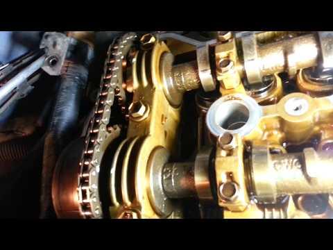 Toyota Matrix 2005 год 1.8 бензин Замена прокладки крышки клапанов, прокладки гидронатяжителя цепи .