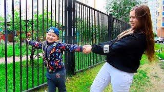 Игорь не хочет идти в садик  Игорь и Саша показывают Как не надо себя вести детям 2
