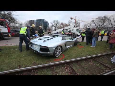 Crash Lamborghini aventador in Tallinn