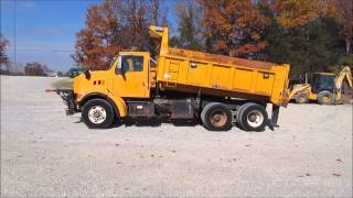 1998 Ford LT9501 Louisville 101 dump truck for sale | sold at auction December 17, 2014