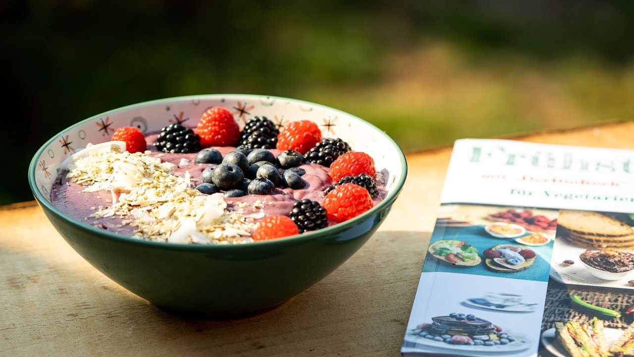 Sommerküche Leichte Rezepte : Frühstücks bowle mit beeren leichte sommerküche youtube