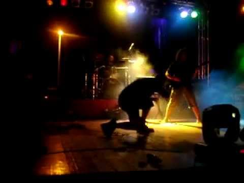 Uranium235 :Pantera cover -I'm broken live napalm fest 2009