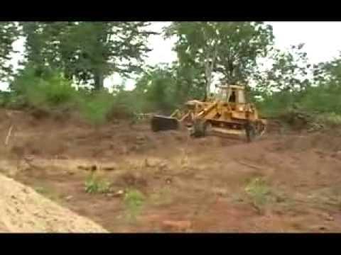 Songon: Des techniciens s'activent pour délimiter les parcelles des logements sociaux