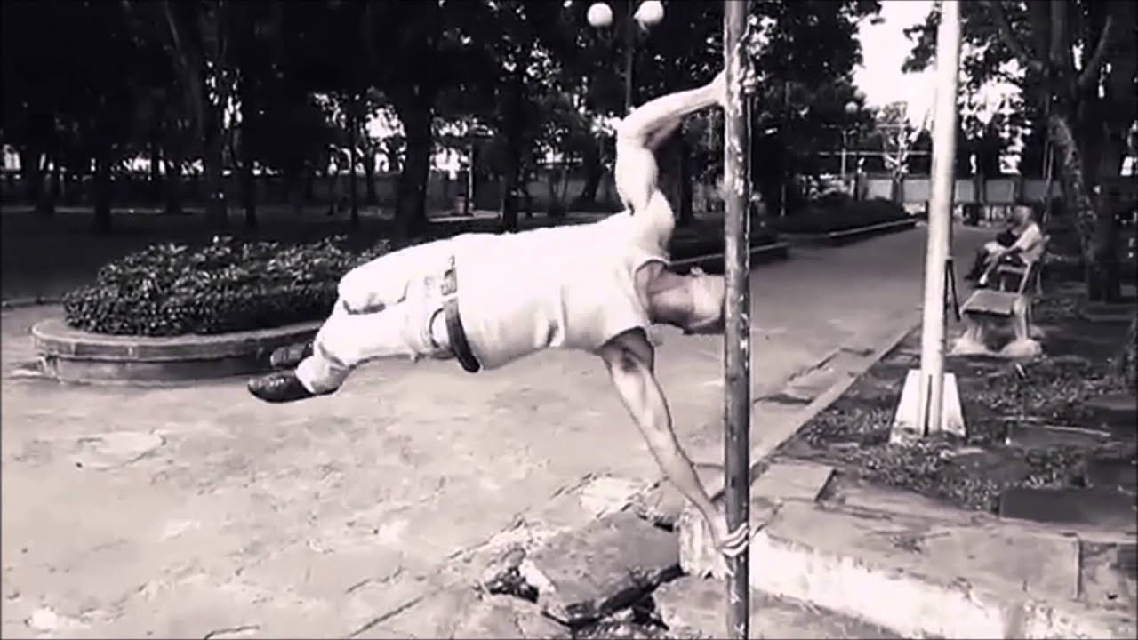 my human flag collection ( human flag chin up + walking +muscle up, Muscles