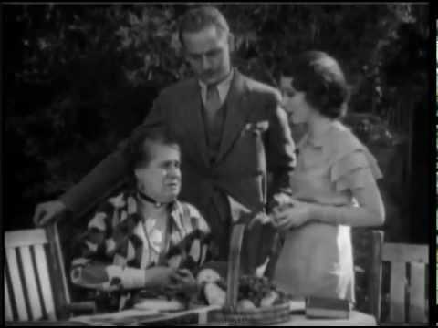 the-vampire-bat-(1933)-fay-wray