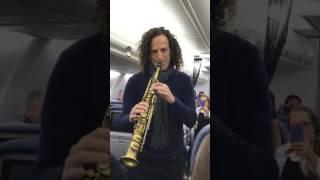 Kenny G Serenades Delta Airlines Passengers En Route to San Francisco