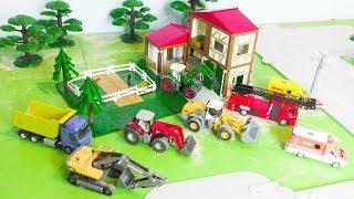 Bagger, Trecker, Feuerwehrauto, Krankenwagen & Truck: Spielzeugautos & Pferdehof - Vehicles for Kids
