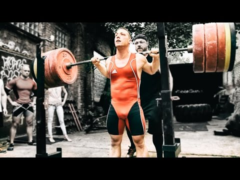 Bodybuilder vs Weightlifter vs Powerlifter Squat Session (eng sub)