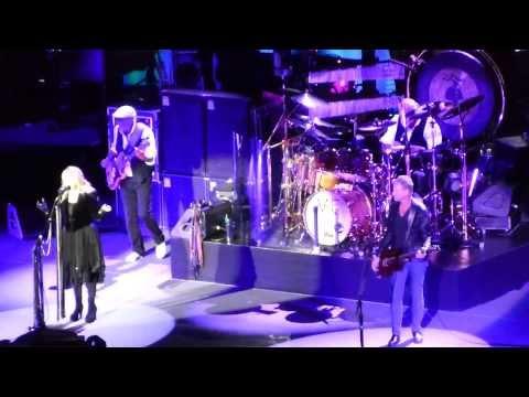 Fleetwood Mac - Dreams - Manchester Phones 4u Arena - 01/10/13
