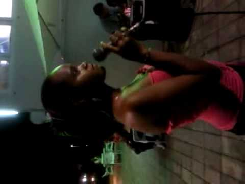 Karaoke Ely Herrera Santo Domingo