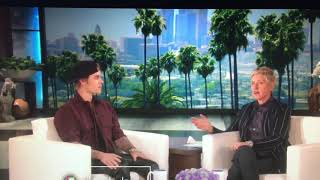 Justin Bieber and Ellen Scares The Audience Members in The BATHROOM?!!?