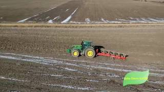 Trabajos agrícolas: John Deere arando