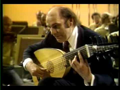 JULIAN BREAM PLAYS VIVALDI'S LUTE CONCERTO IN D