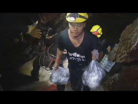過酷な環境、救出準備進む タイ、洞窟の作業映像公開