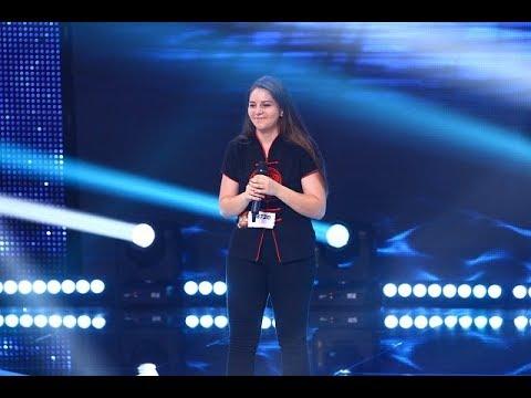 O piesă plină de emoții. Vezi aici cum cântă Melinda Deneș Vincze pe scena X Factor