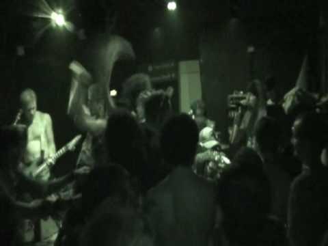 RIISTETYT- Mieletöntä Väkivaltaa (CSO Los Blokes Fantasma 1-10-09)