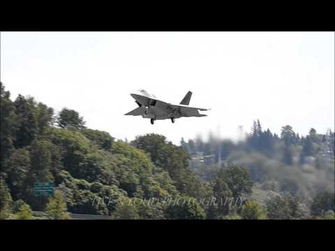 F22A missed approach, KBFI