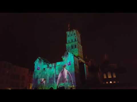 Quelques minutes du spectacle d'illumination de la cathédrale de Périgueux.